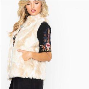 NWT JACK by BB Dakota Revolve Faux Fur Vest Sz S